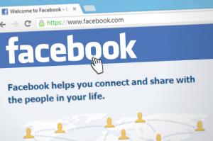 تكبير صفحات الفيس بوك وبيعها